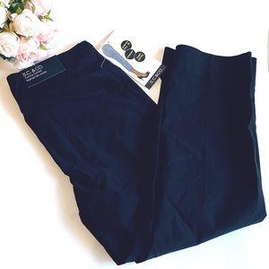 NWT Capri S.C & Co Pull on Capri Black size 6